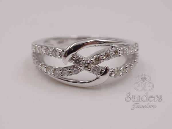 Interlocking Wedding Rings.Interlocking Diamond Fashion Ring